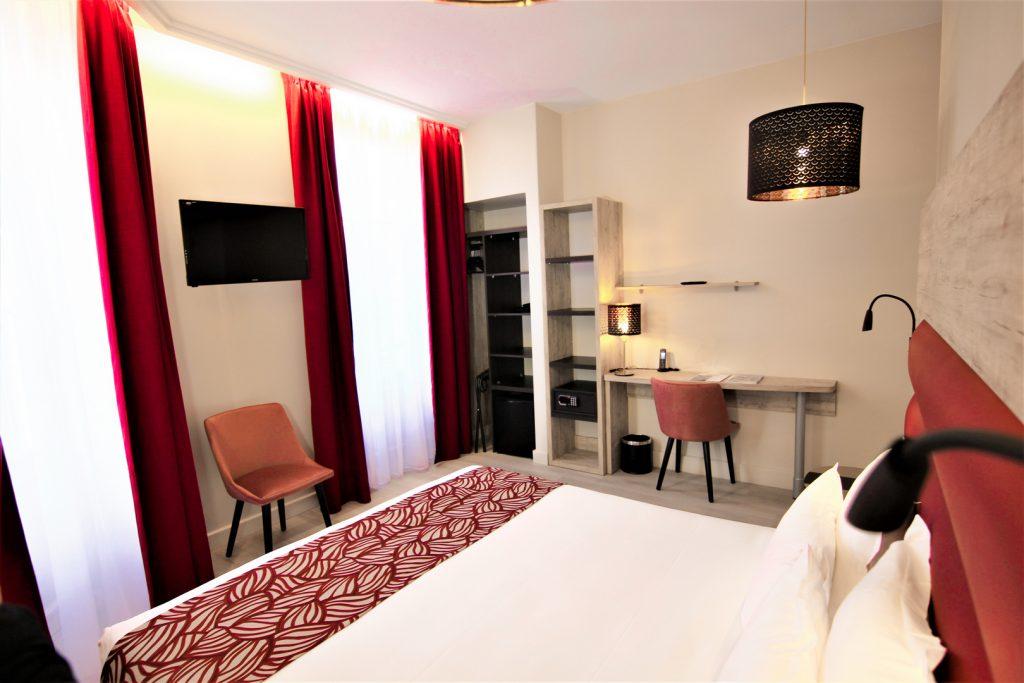 Chambre confort - authentique et moderne - hotel montaigne sarlat