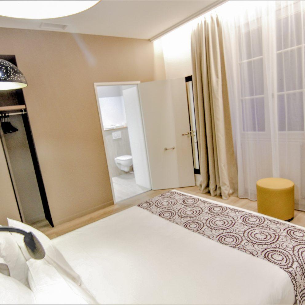 Chambre access de l'hotel montaigne de sarlat
