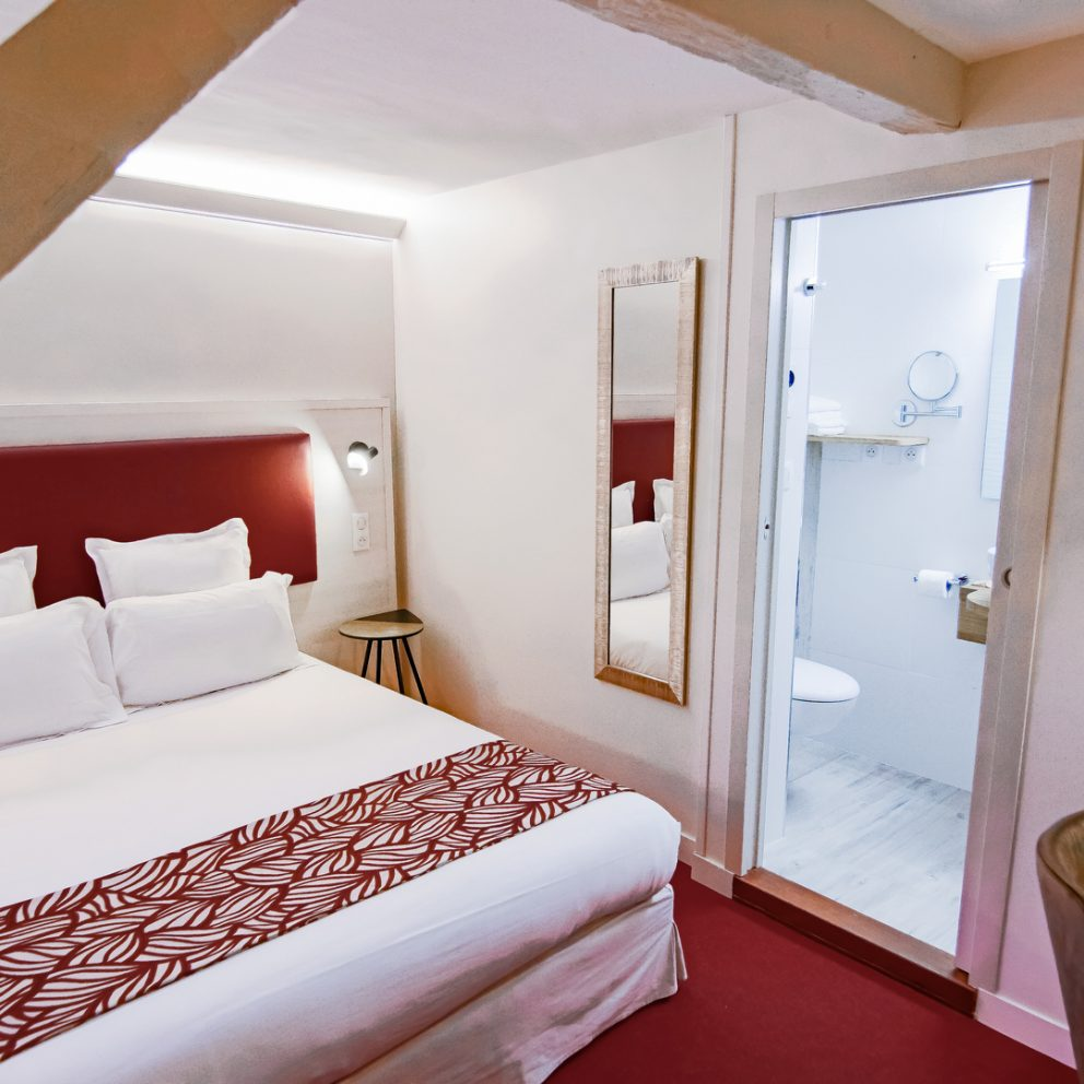 Chambre easy - hotel montaigne sarlat - dordogne - perigord