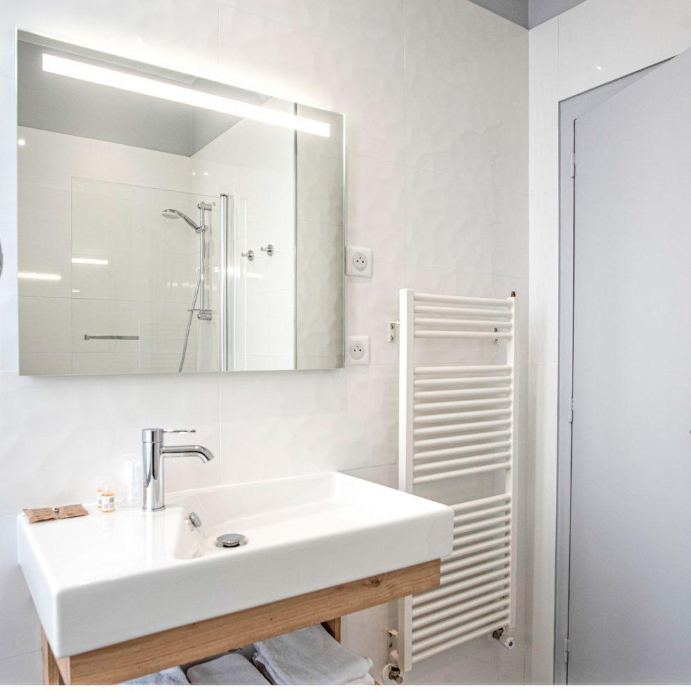 Salle de bain - chambre confort - Hotel montaigne sarlat