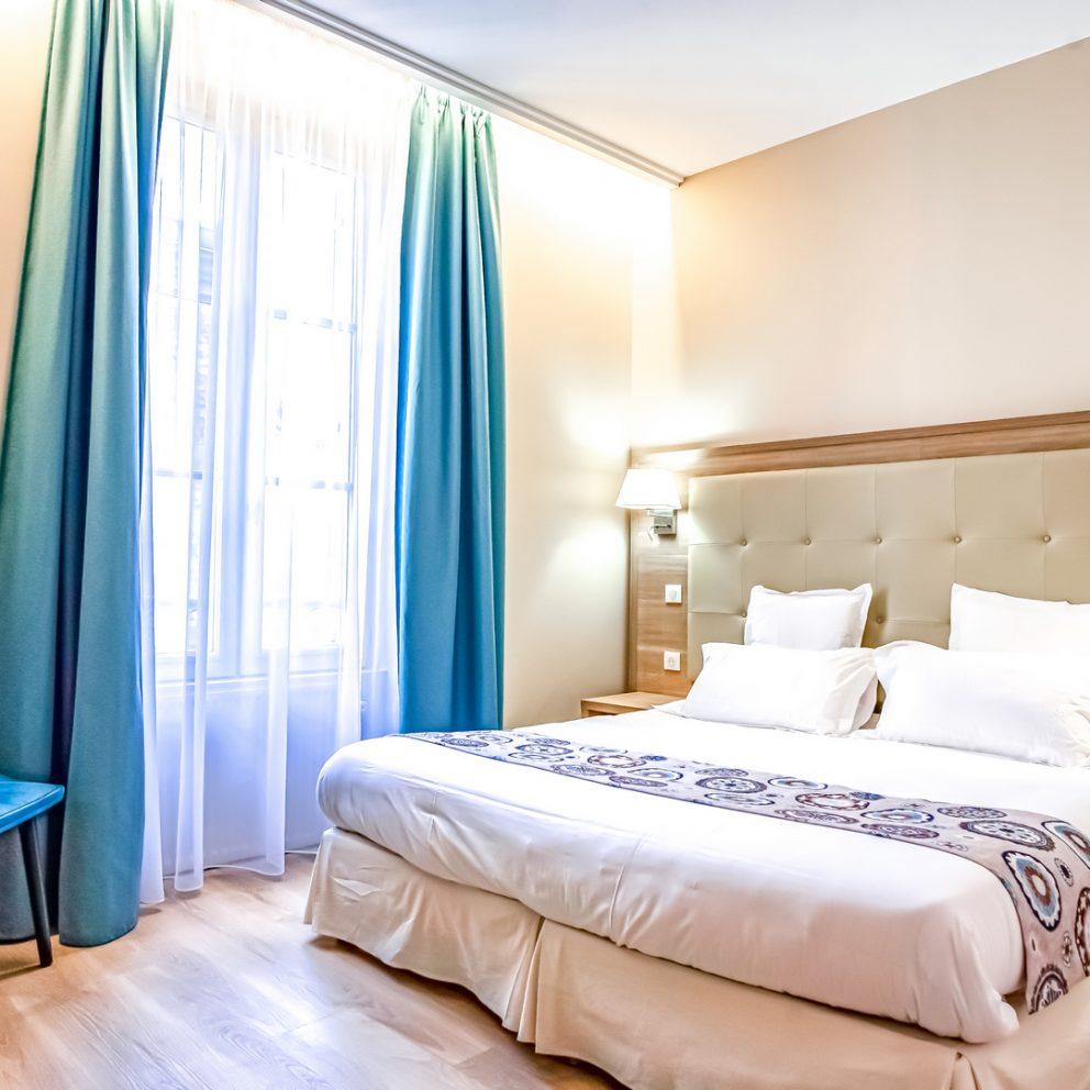 Chambre standard - Hotel Montaigne - Sarlat - Dordoña