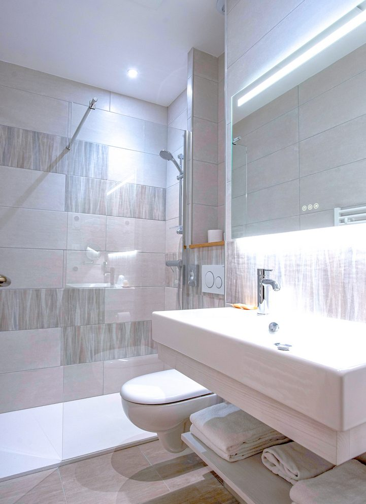 Salle de bain - chambre stardard - Hotel montaigne sarlat la canéda